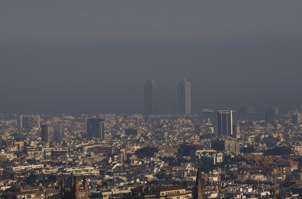 Resultat d'imatges de contaminación barcelona